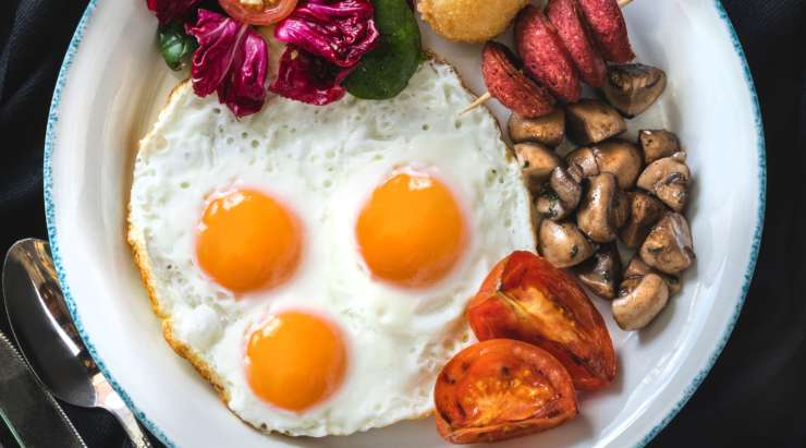Does Dietary Cholesterol Affect Serum Cholesterol?